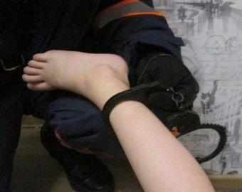 Спасатели освободили внука из бабушкиных наручников