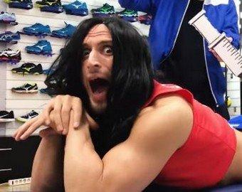 Гандболист перепел Лободу, чтобы поздравить волейболистку