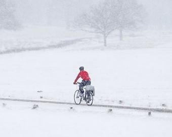 В Лесосибирске засняли велосипедиста при в –45 градусов