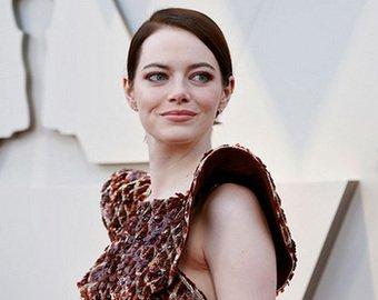 Интернет-пользователи высмеяли Эмму Стоун из-за «мясного» платья