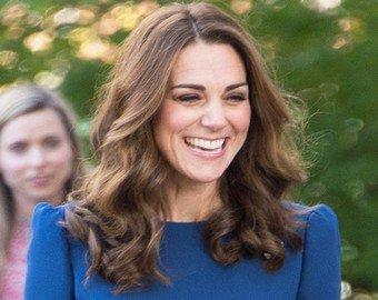Кейт Миддлтон надела блузку задом наперед