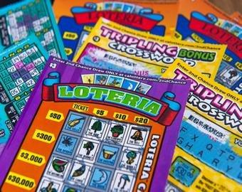 Старушка впервые в жизни купила лотерейный билет и сразу же сорвала джекпот