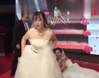 Экс-возлюбленная явилась на свадьбу в белом платье и устроила скандал