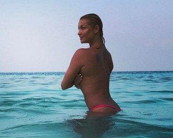 Фанаты высмеяли Волочкову за «дикий» купальный наряд