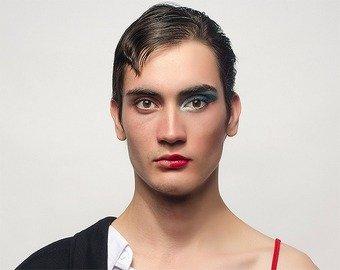 Мужчина прослыл трансгендером в Tinder из-за забывчивости