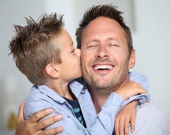 Отец придумал оригинальный способ поддержать сына после операции на сердце
