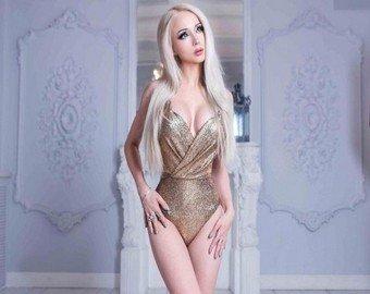Барби из Одессы призналась, что боится старости полноты и бассейнов