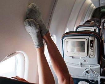 Босой пассажир самолета привел в ярость интернет-пользователей