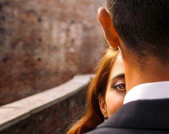 """Невеста опозорила жениха на весь мир из-за """"позорного"""" помолвочного кольца"""