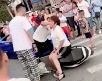 Блогер инсценировал аварию с участием матери ради популярности в Сети