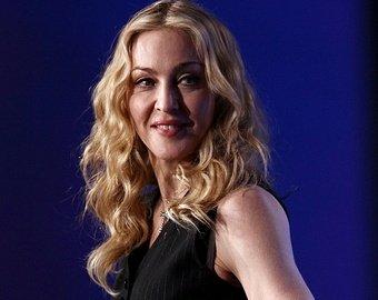 Мадонна показала шпагат в прозрачных чулках