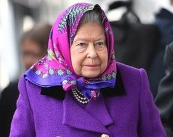 Американские туристы приняли Елизавету II за простую пенсионерку