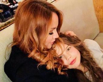 Певица МакSим впервые показала лицо младшей дочери