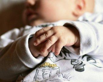Женщина попыталась провезти младенца в ручной клади