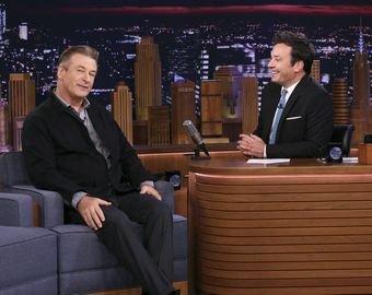 Алек Болдуин снял брюки в эфире американского телешоу