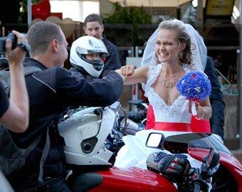 Байкер безуспешно попытался сорвать свадьбу экс-возлюбленной