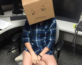 Студенты сдали экзамен с коробками на головах