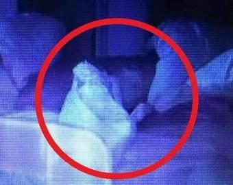 Женщина увидела в кроватке своего ребенка «призрака»