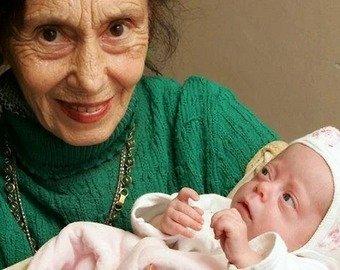 Пользователи узнали, что стало с девочкой, мама которой родила ее в 66 лет