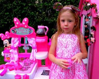 5-летняя девочка из России вошла в тройку самых богатых блогеров