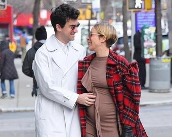 Хлоя Севиньи поделилась своими беременными снимками