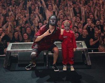 """5-летний фанат познакомился со Slipknot после того, как """"зажег"""" на их концерте"""