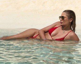 Наталья Рудова снялась обнаженной в бассейне для мужского журнала