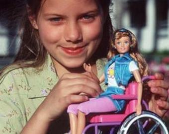 Производитель Барби представил кукол без волос, с витилиго и инвалидностью