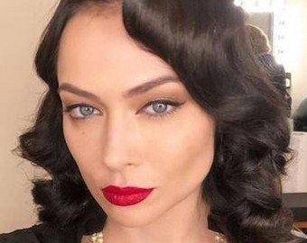 Самбурская показала видео с фотосессии для мужского журнала