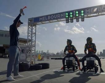 Пилоты Формулы-1 сразились в гонке на холодильниках