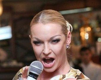 Волочкова опозорилась, перепев песню Пугачевой