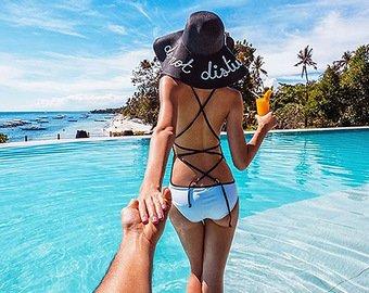 Молодая пара потроллила российский фотопроект #FollowMeTo