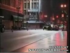 Николь Кидман попадает в аварию, убегая от зомби