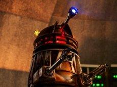 Пришелец из «Доктора Кто» призывает англичан к самоизоляции