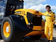 Гонщик из Британии установил новый рекорд скорости на тракторе