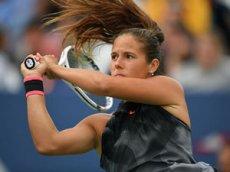 Теннисистка Дарья Касаткина сняла ролик о жизни с теннисной ракеткой