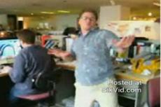 Танцы на работе спасут от стресса