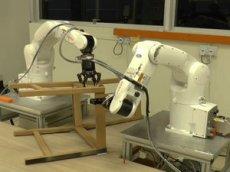В Сингапуре роботов научили собирать мебель