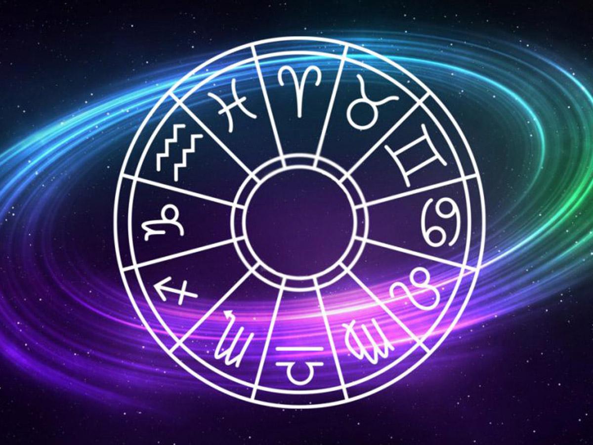 Астрологи: в новолуние 23 апреля три знака Зодиака ждут невиданный успех