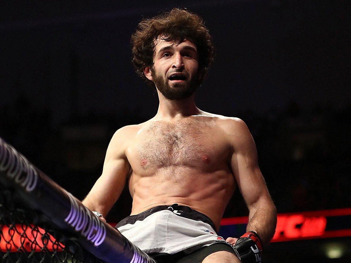 Российский боец UFC провел спарринг с горным козлом