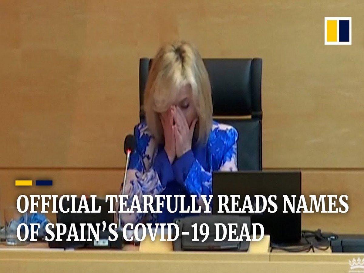 Чиновница заплакала, читая имена умерших от COVID-19 врачей
