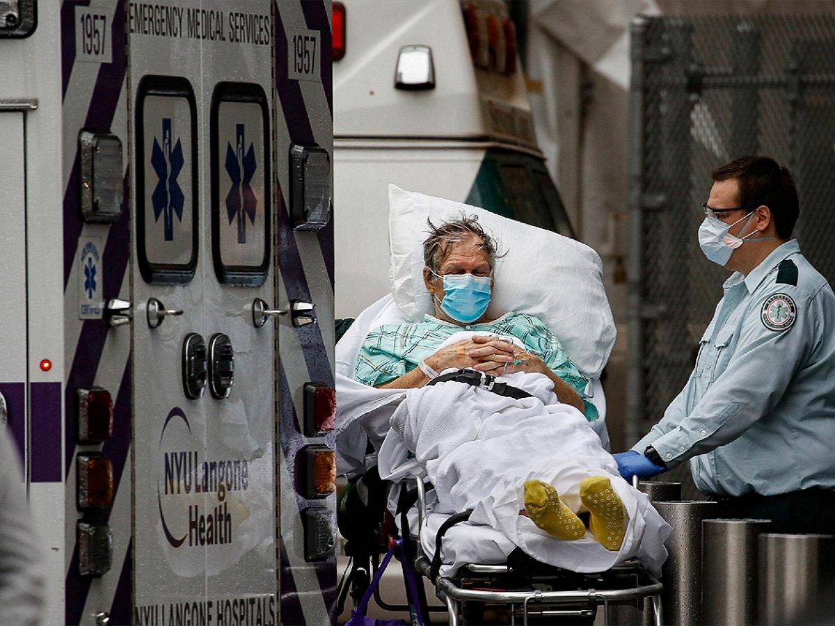 Минздрав назвал сроки спада эпидемии в России