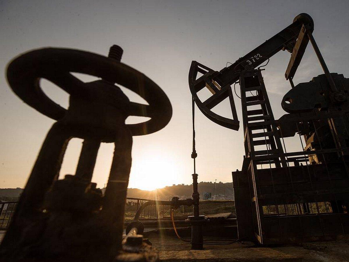 Цены нанефть начали резко расти