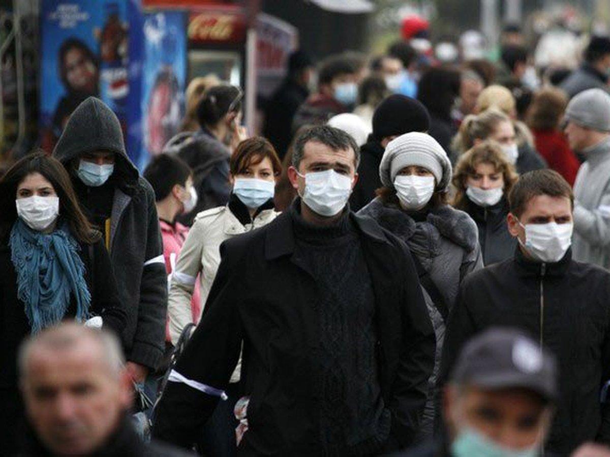 В МЧС раскритиковали ношение маски на улице