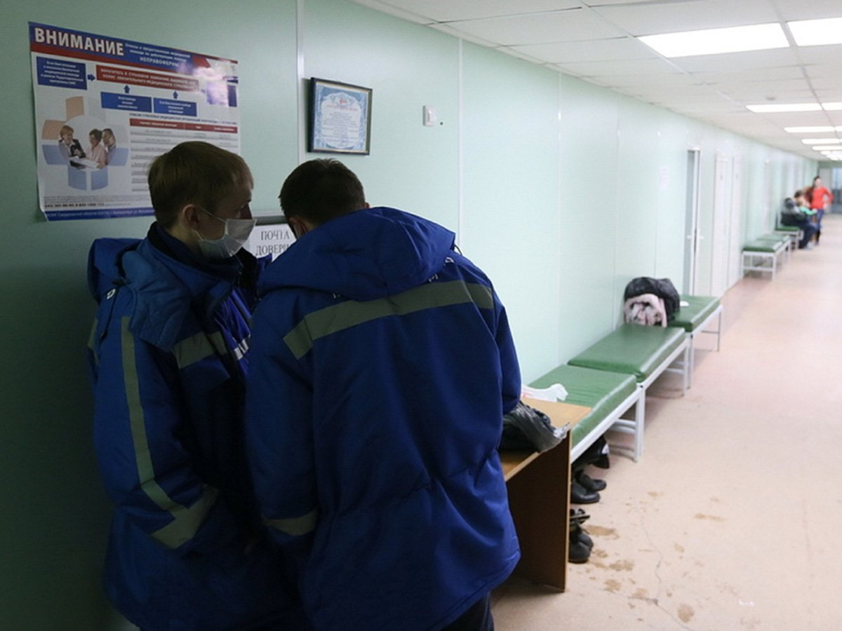 В Екатеринбурге у 78 пациентов и врачей больницы обнаружили коронавирус