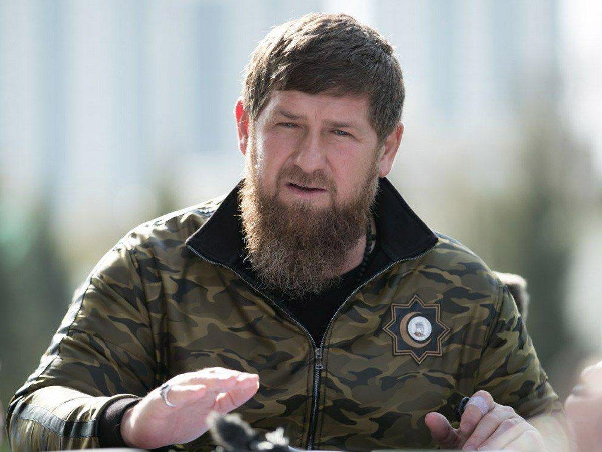 Более 100 общественных деятелей просят СКР возбудить дело на Кадырова за угрозы расправы