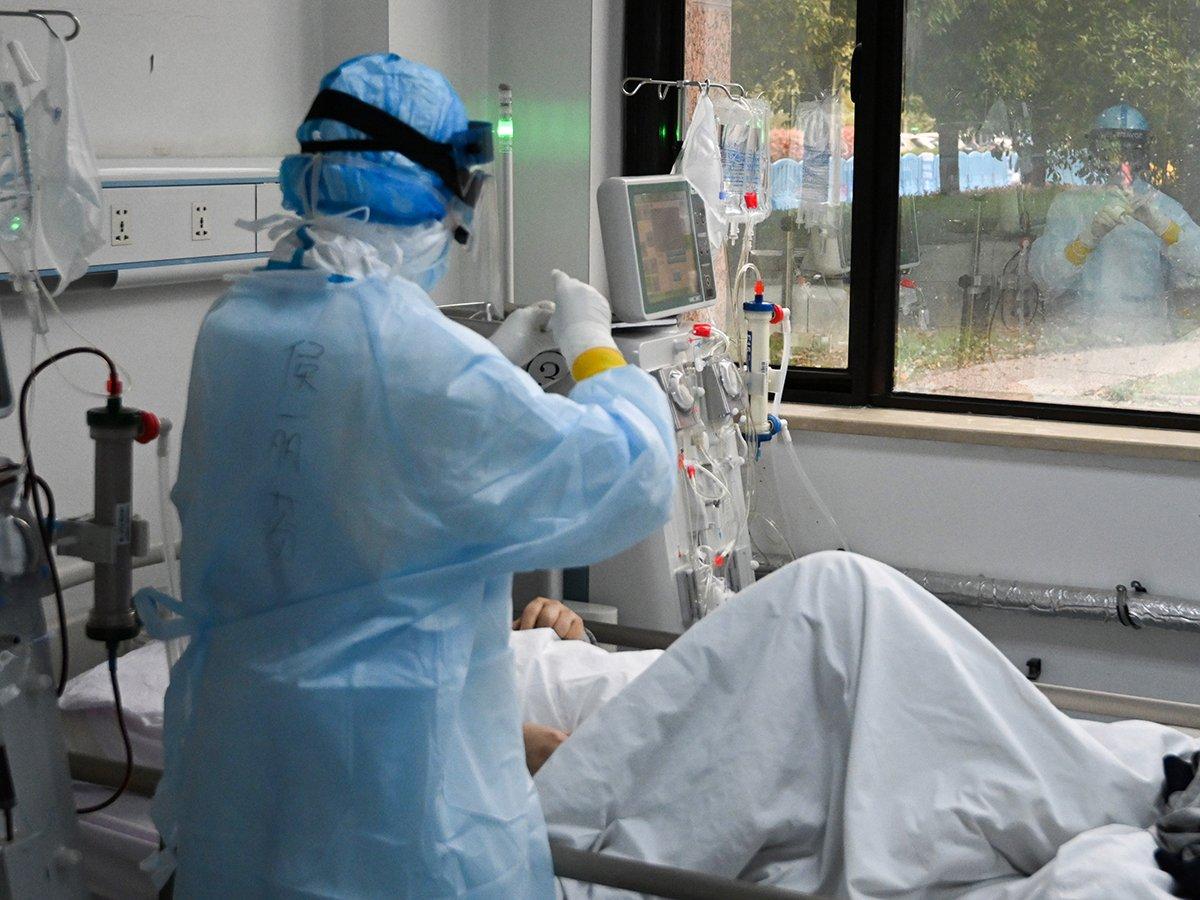 """""""Такое себе зрелище"""": эффективность ИВЛ при коронавирусе поставили под сомнение"""