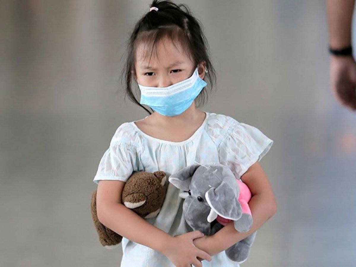 СМИ: дети стали попадать в реанимацию с симптомами коронавируса и другой редкой болезни