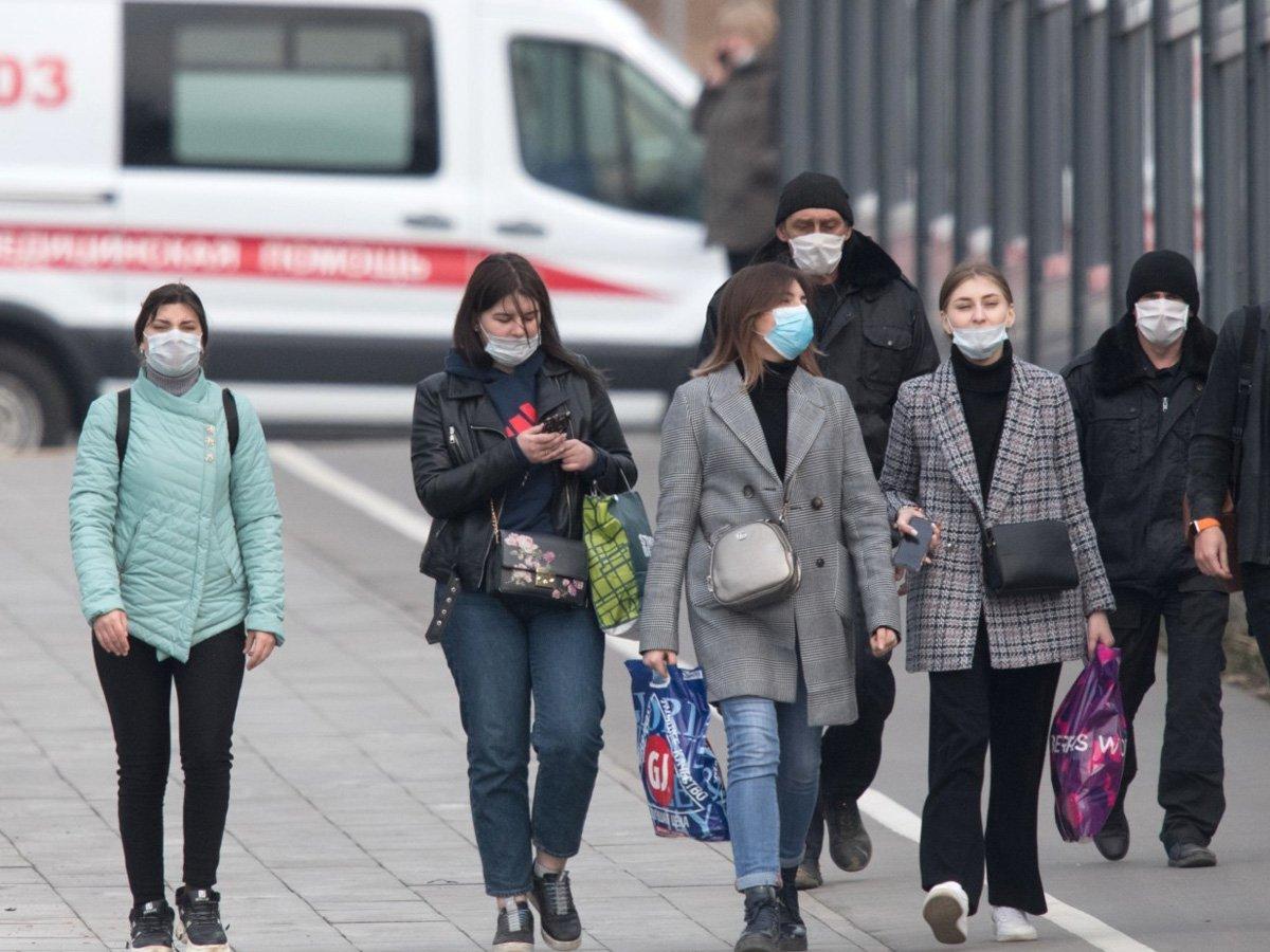 Россиян предупредили об опасности антибиотиков при коронавирусе