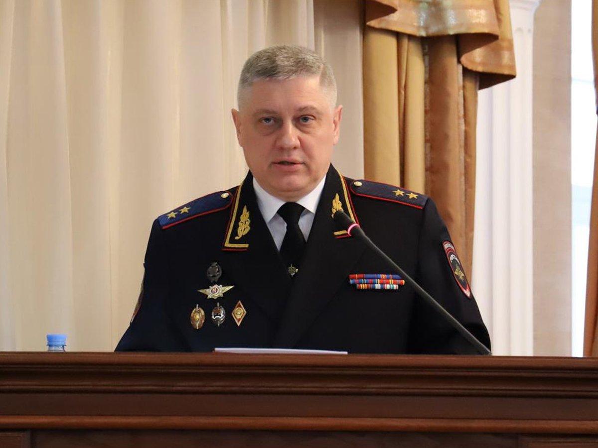 Глава Новосибирского ГУВД подал в отставку из-за скандальной аудиозаписи в соцсетях